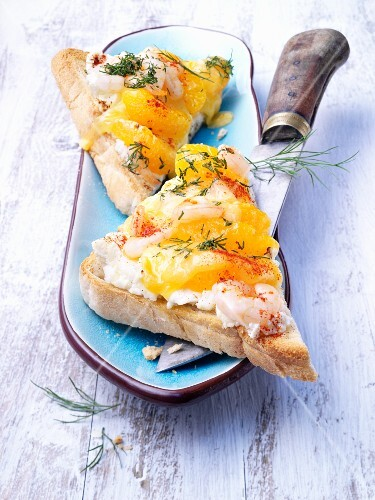 Toast with prawns and mandarins