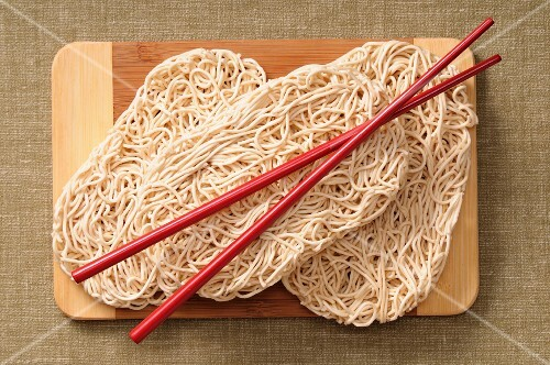 Egg noodles with chopsticks (China)