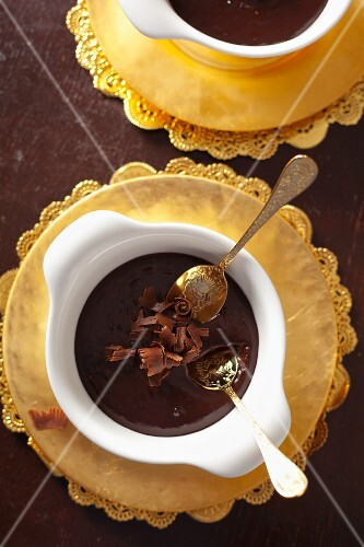 Dark chocolate mousse with chocolate curls