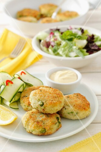 Potato and fish patties with peas