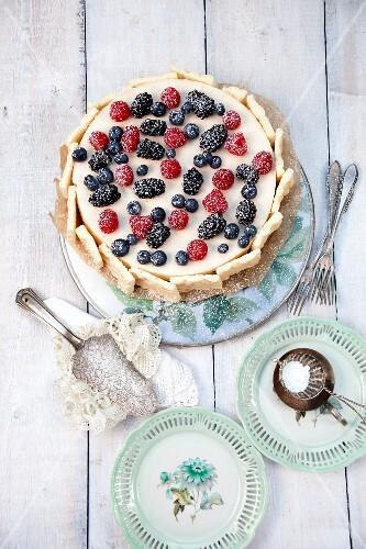 Mascarpone-forest berry cake