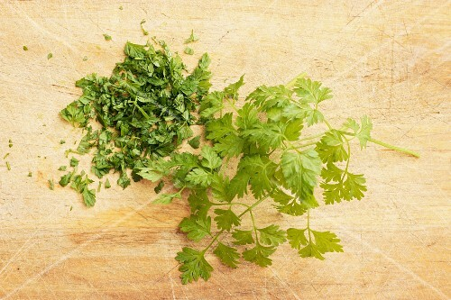 Fresh chervil, partly chopped