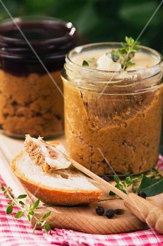 Venison pâté in jars