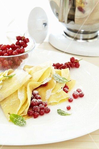Crepes with fresh redcurrants