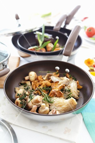 Fried mixed mushrooms with mixed herbs