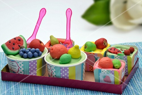 Cupcakes with marzipan fruits