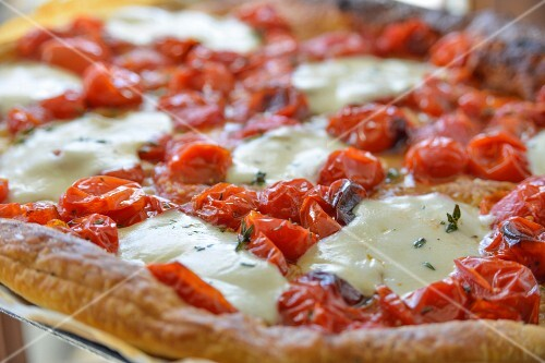 Tomato tart with mozzarella (close-up)