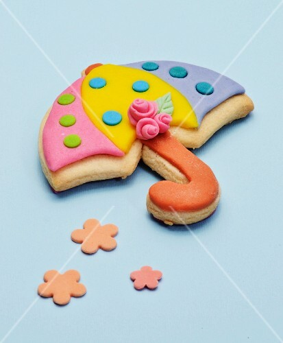 A biscuit decorated to look like an umbrella
