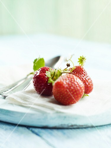 Fresh strawberries on a cloth