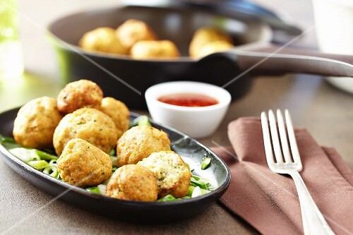 Fish nuggets with spicy sweet chilli sauce
