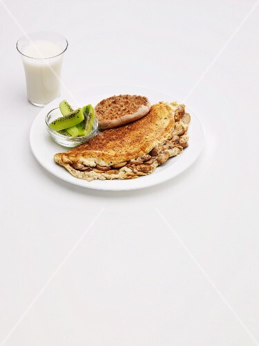 Mushroom Omelet with English Muffin and Kiwi