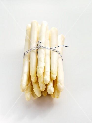 A bunch of white asparagus