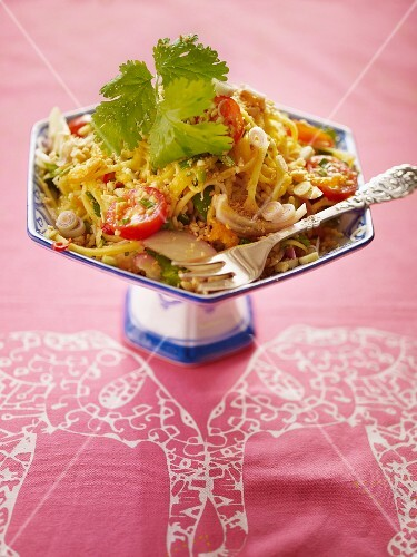 Mango salad with tomatoes and onions