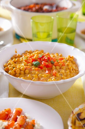 Chickpeas with tomatoes and coconut milk