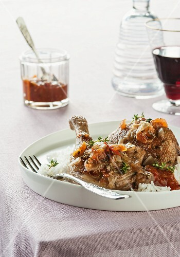 Duck with tomatoes and vermouth