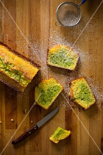 Marble cake with pistachios