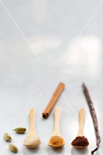 Cardamom, vanilla and cinnamon