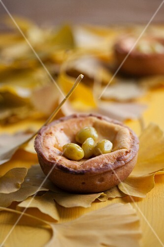 Mini quiche with ham and gingko nuts