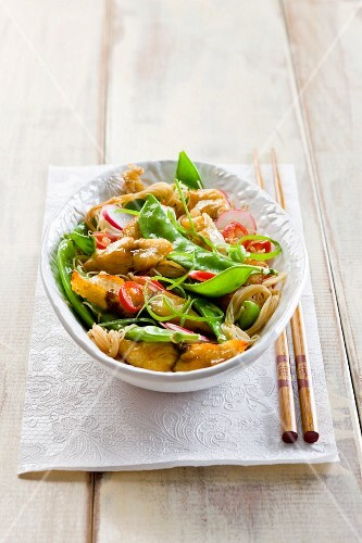 Chicken stirfry with sugar snap peas and noodles