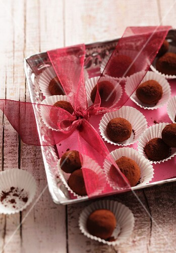 Truffle pralines in paper cases