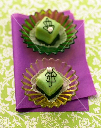Green petit fours