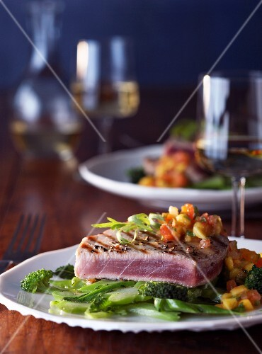 Tuna steak with chutney and broccoli