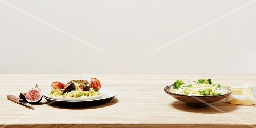 Pasta with broccoli, spaghetti with tomatoes & figs