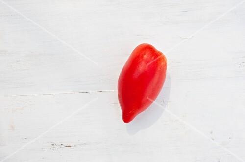 A tomato of the variety 'Rosa Rosovoij perzevidnij'