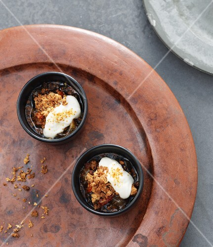 Quince chutney with Comté cream and crumble