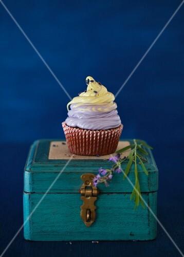 Lavender Cupcake with Vanilla Lemon Marshmallow Topping