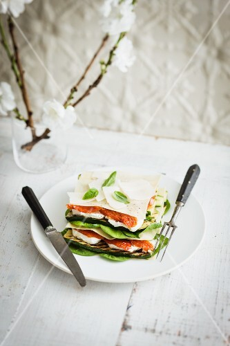 Open lasagne with grilled courgette, goat's cheese and tomatoes