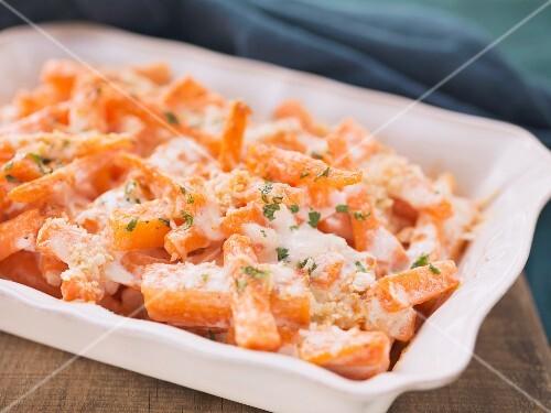 Carrot bake with béchamel sauce