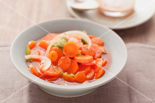 Copper Pennies (carrot salad with onions and peppers, USA)