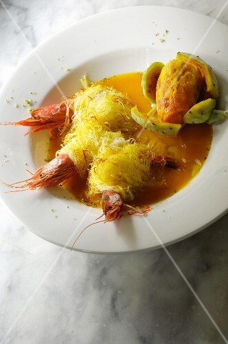 Prawns wrapped in vermicelli with prickly pears