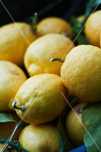 A heap of lemons