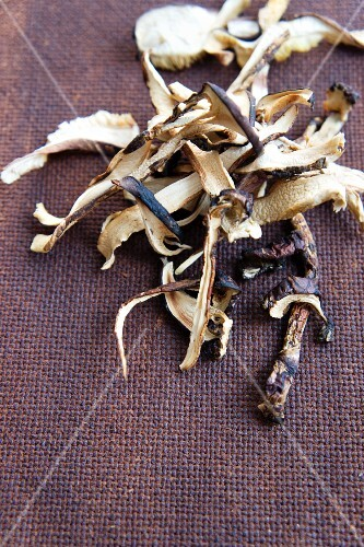 Dried matsutake mushrooms