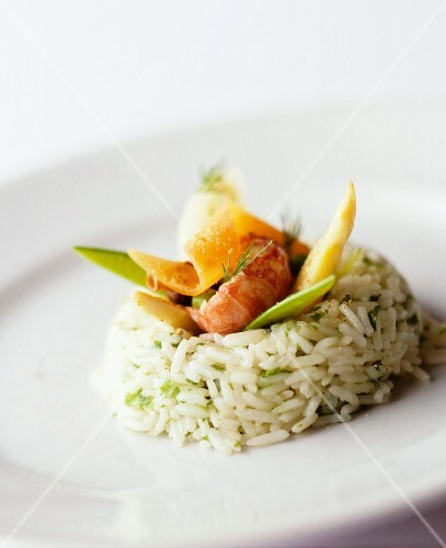 Herbed rice with vegetables and prawns