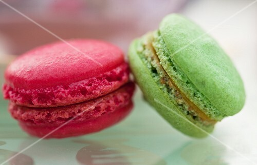 Red and green macaroons (close-up)