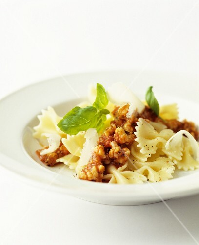 Farfalle with bolognese sauce