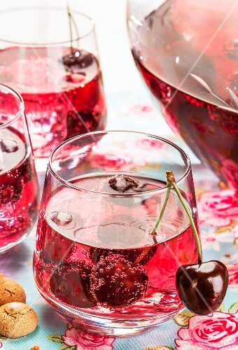 Cherry and amaretto punch (close-up)