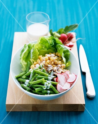 Chickpea salad with beans, radish and buttermilk drssing