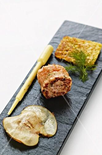 Fried salmon tartare with potato rosti