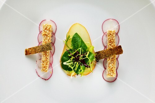 Trout fillet with pears and radishes