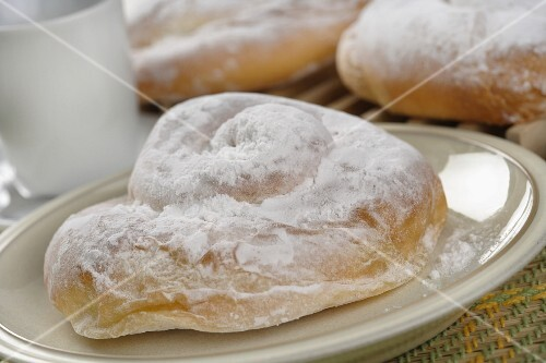 Ensaïmada de Mallorca (yeast-raised whirled buns, Majorca)