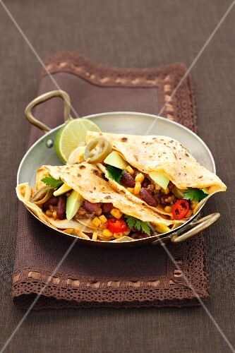 Tortillas with minced meat and jalapeños