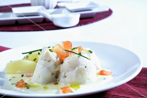 Steamed sole fillets with red wine sauce