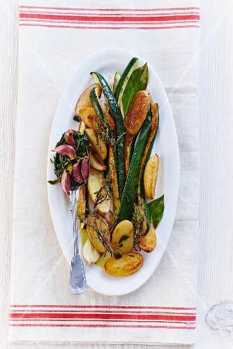 Courgette with potatoes and garlic