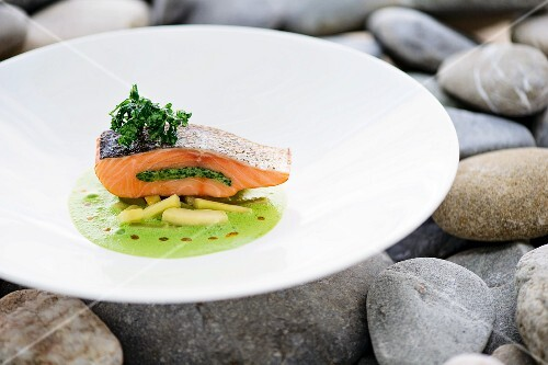 Poached salmon fillet with a parsley filling, Hamburg parsley and parsley sauce