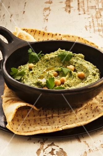 Houmous with parsley