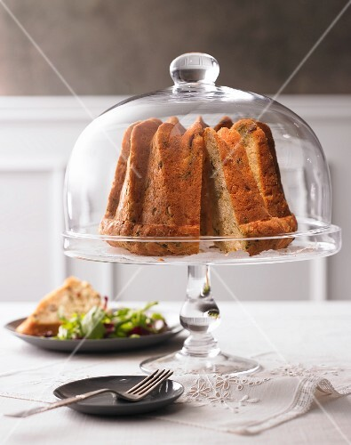 Savoury Bundt cake with rocket
